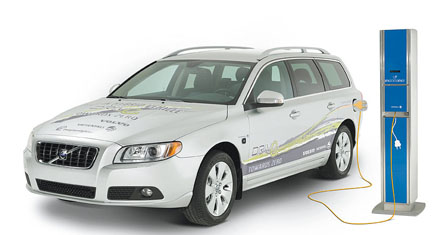 Volvo Cars will begin series production of a new plug-in hybrid in 2012. The electricity producer Vattenfall will develop a system of public charging stations.