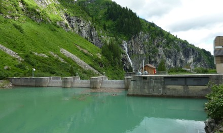 Monitoring system to prevent dam accidents